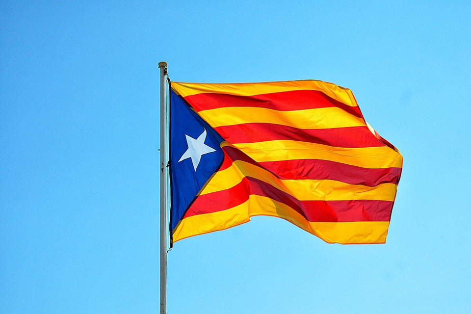 The surprising effect of camouflage in Catalonian nationalism